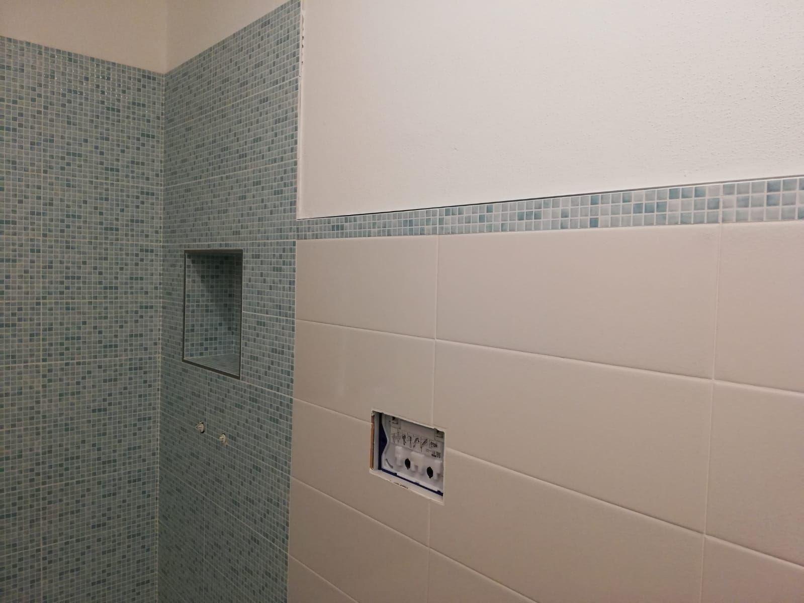 Bagno Con Mosaico Bianco il bagno verde acqua: piastrelle colorate moderne - foly