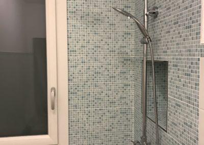 interno-doccia-mosaico-verde-acqua