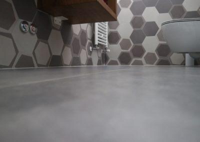 Pavimento-bagno-effetto-cemento