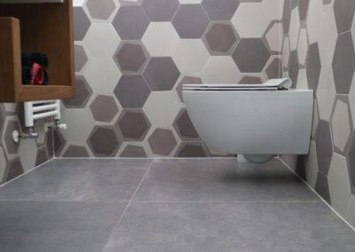 piastrelle-bagno-moderno-grigio