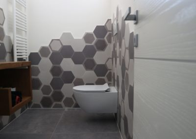 rivestimento-bagno-piastrelle-moderne