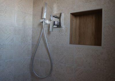 rivestimento-doccia-decoro-beige