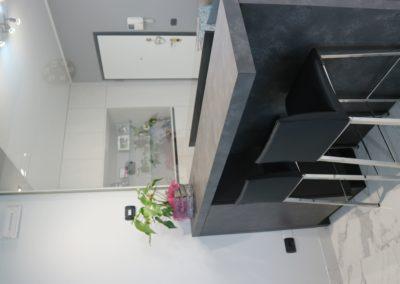 appartamento-stile-moderno-bianco-grigio