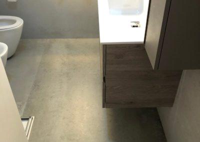 pavimento-bagno-grigio