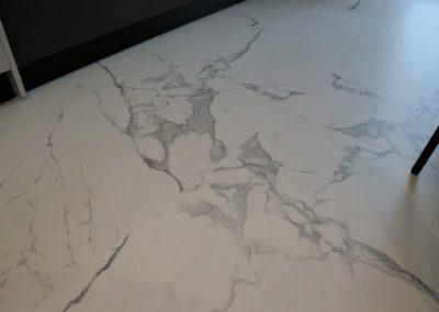 piastrella-effetto-marmo-grande-formato
