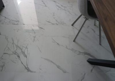 dettaglio-pavimento-gres-effetto-marmo-lucido