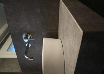 dettaglio top bagno gres effetto pietra