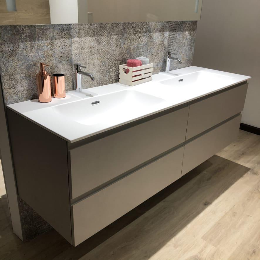 mobile bagno sospeso con doppio lavabo